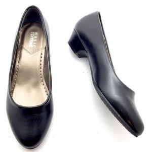 NWT - Sz 5 WIDE Black Slip-on Pumps Heels